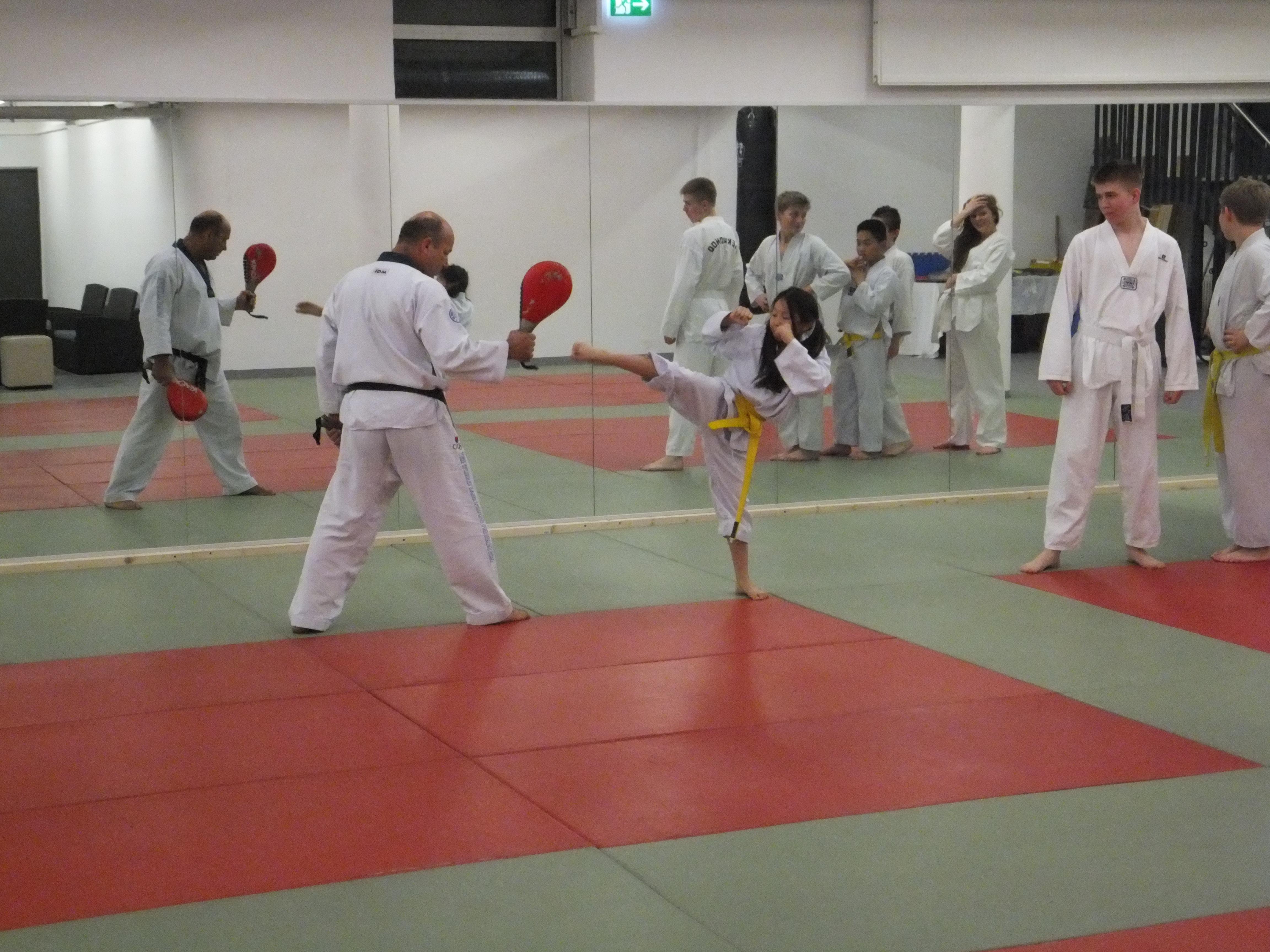 Alle Übungen werden vom Trainer verständlich erklärt.
